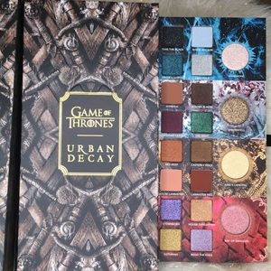 👑NEW! Game of Thrones Eyeshadow by Urban Decay